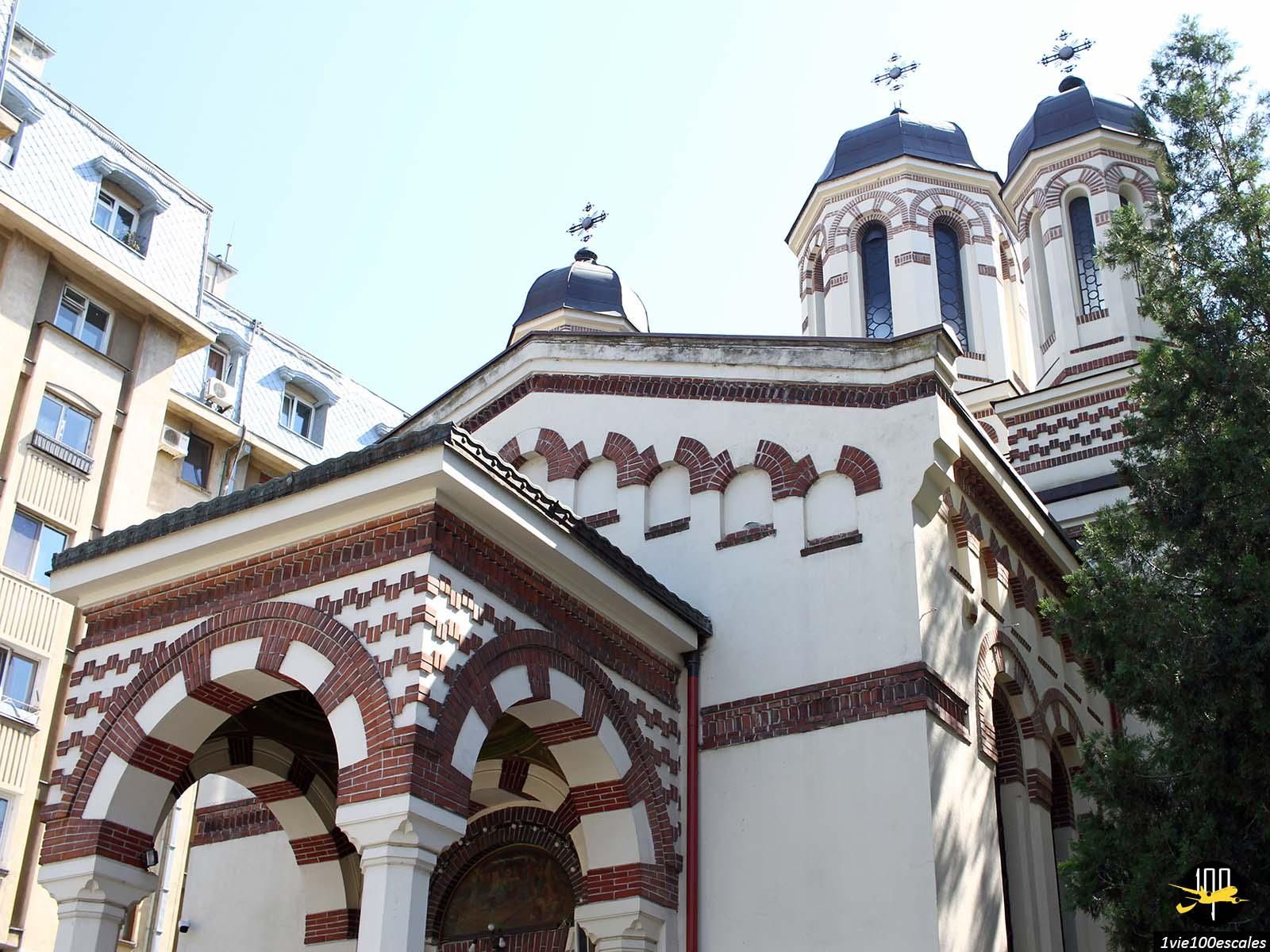 monument historique eglise avenue Calea Victoriei bucarest roumanie
