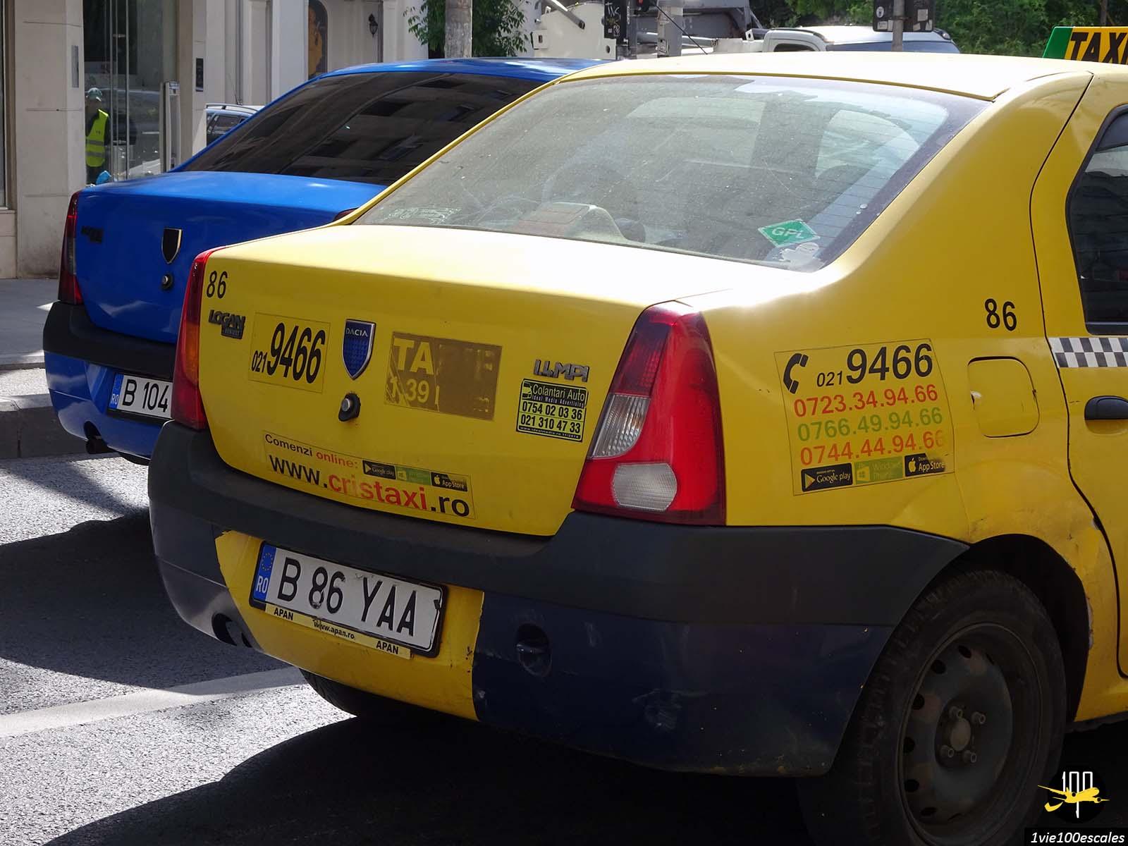 taxi coloré calea victoriei bucarest roumanie
