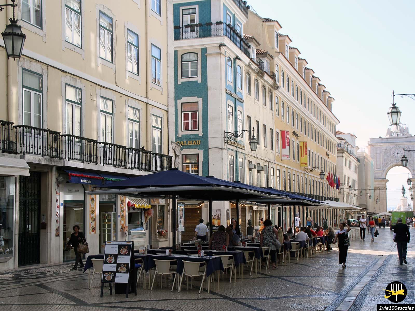 La rue piétonne Augusta dans le centre ville de Lisbonne