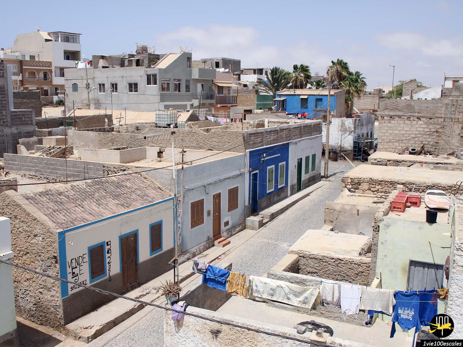 Le village de Sal Rei sur l'île de Boa Vista durant le mois de juillet
