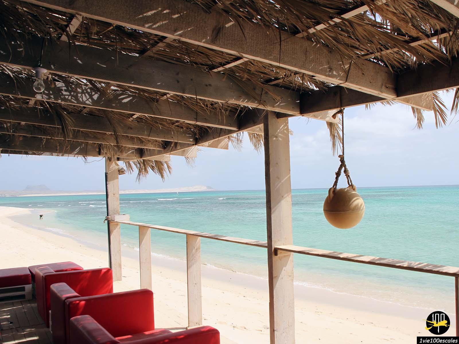 Un club de plage au sud de Sal Rei sur l'île de Boa Vista