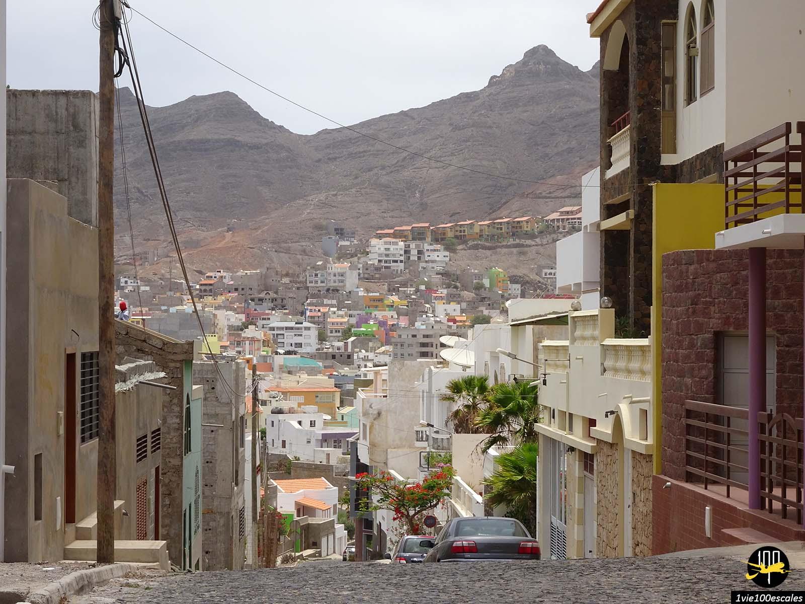 Dans un quartier en hauteur de Mindelo sur l'île de Sao Vicente