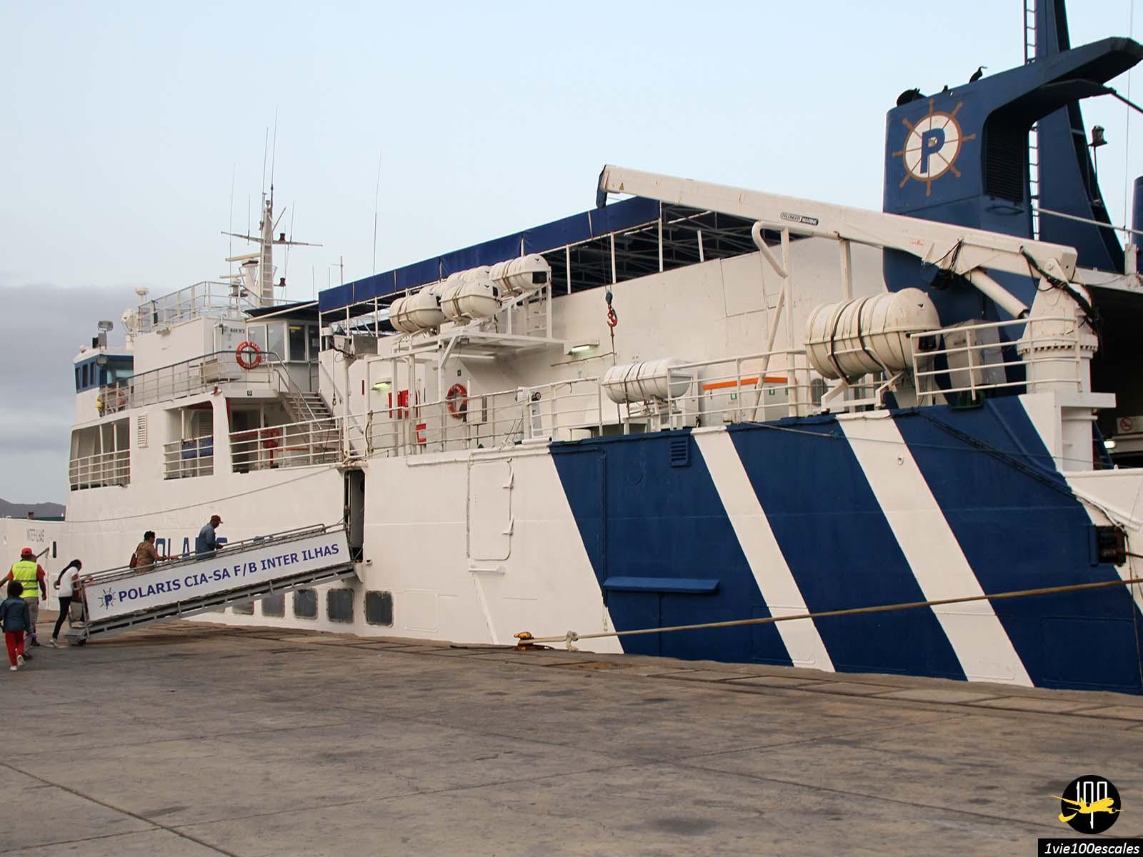 Le Polaris ferry de la compagnie Interilhas pour rejoindre l'île de Santo Antao