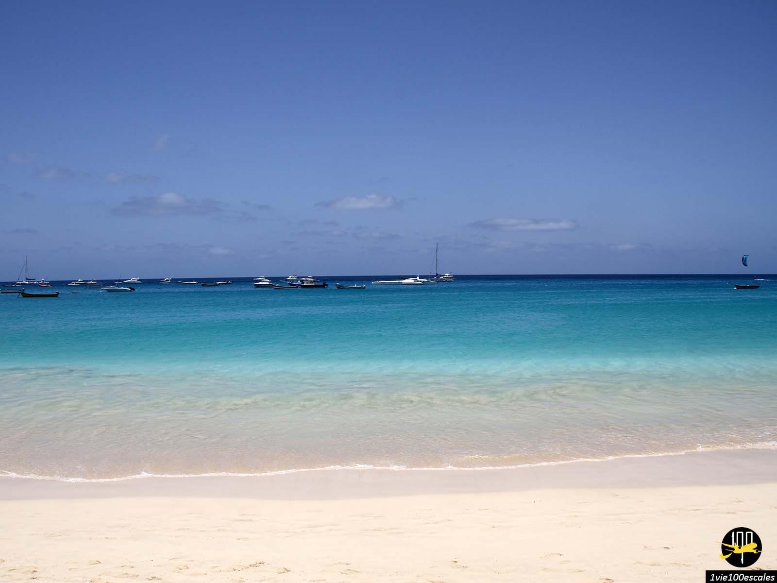 La magnifique plage de Santa Maria sur l'île de Sal au Cap Vert