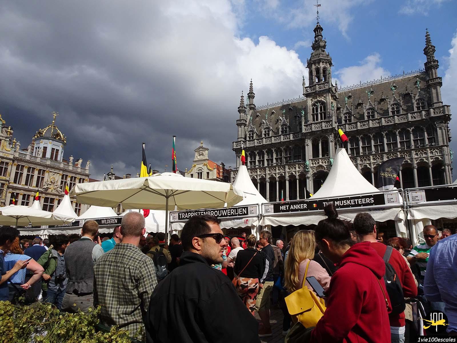 La fête de la bière sur la Grand place de Bruxelles en Belgique