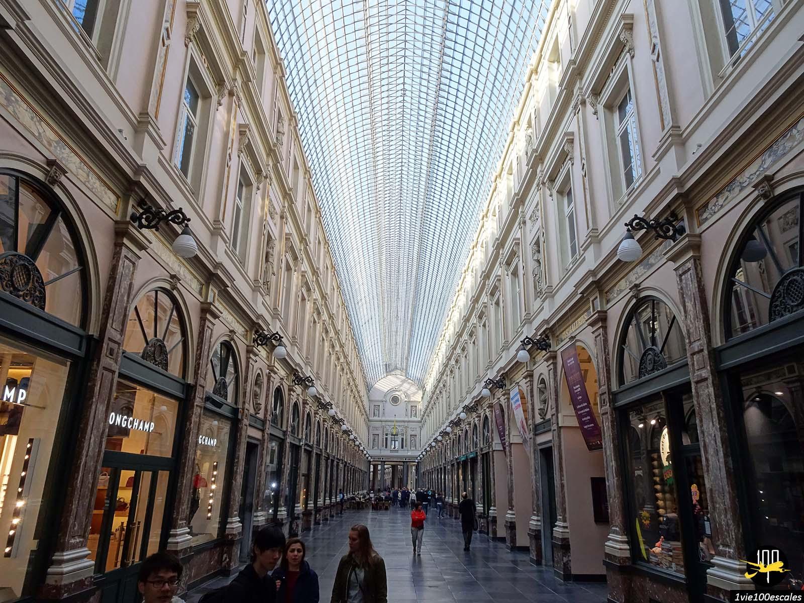 La belle architecture de la Galeries royales Saint-Hubert de Bruxelles
