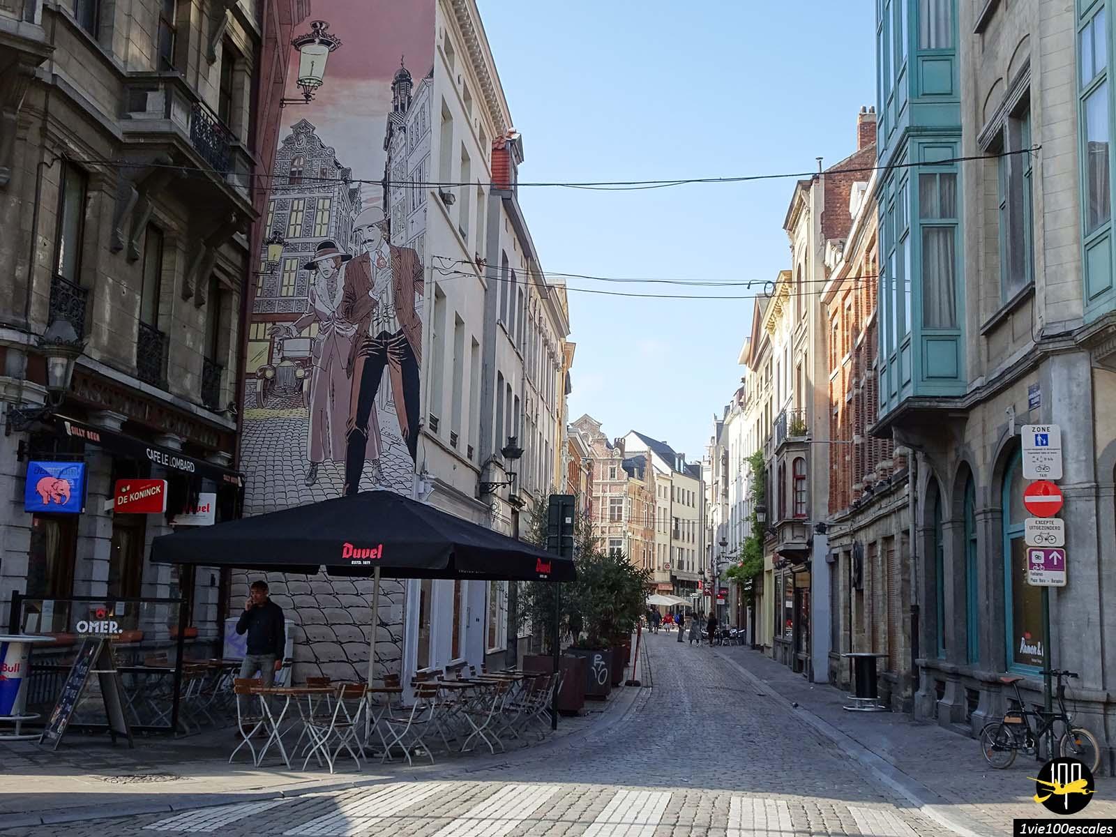 L'architecture des rues du centre ville de Bruxelles avec ses murs sur la bande dessinée