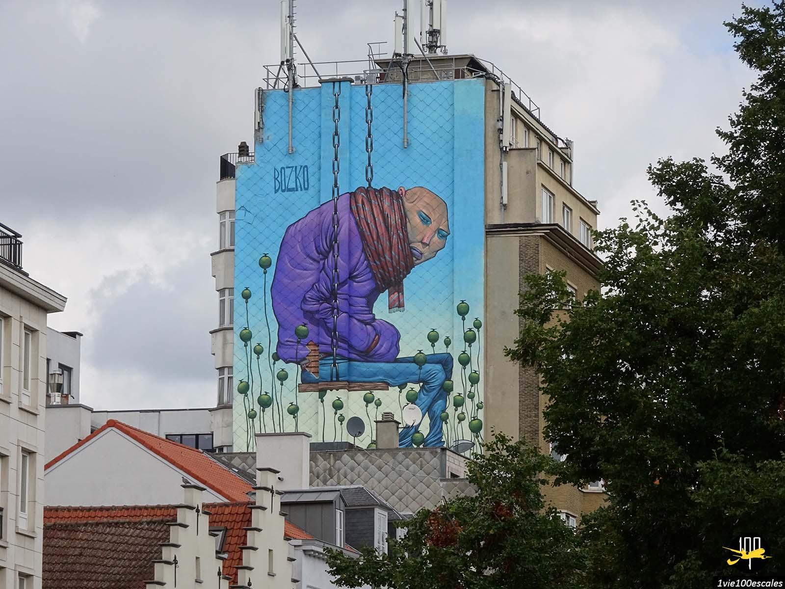 Une immense peinture sur un immeuble de Bruxelles
