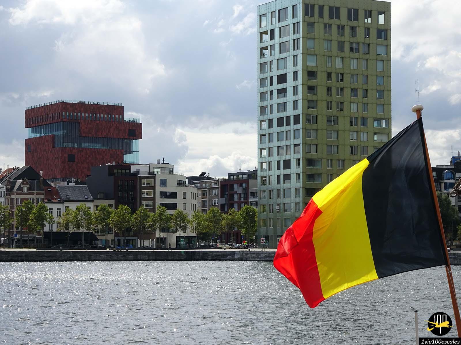Les nouveaux immeubles designs et colorés du port d'Anvers