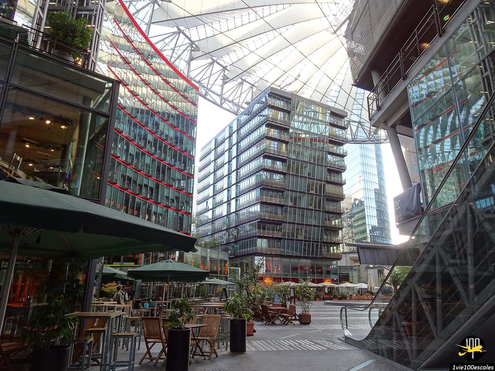 Le très moderne Sony Center situé sur la Potsdamer Platz de Berlin