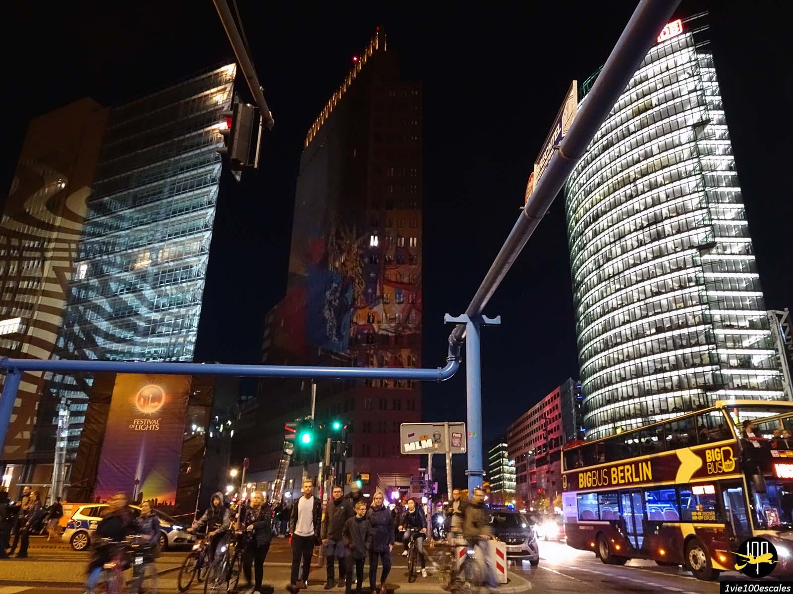 La Potsdamer Platz illuminée le Festival of Lights de Berlin
