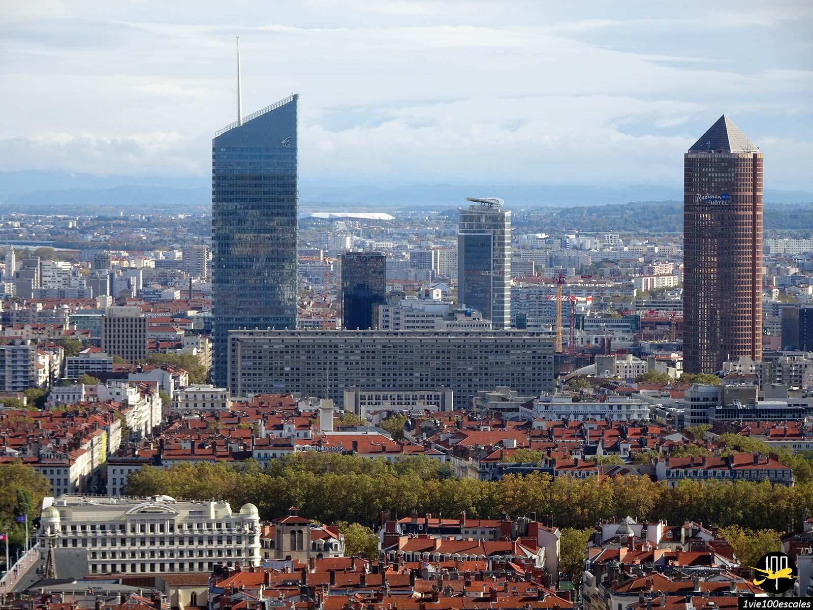 Les plus hauts immeubles de Lyon appelés la gomme et le crayon