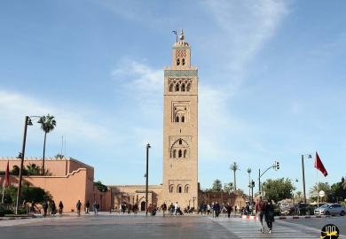 La belle mosquée Koutoubia à coté de la Place Jemaa el-Fna de Marrakech