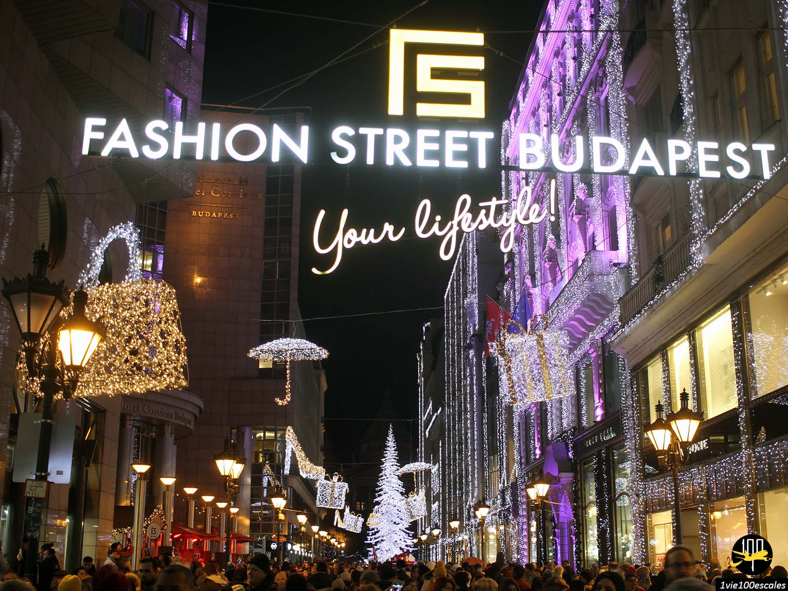 Les illuminations de noel de la Fashion street à Budapest