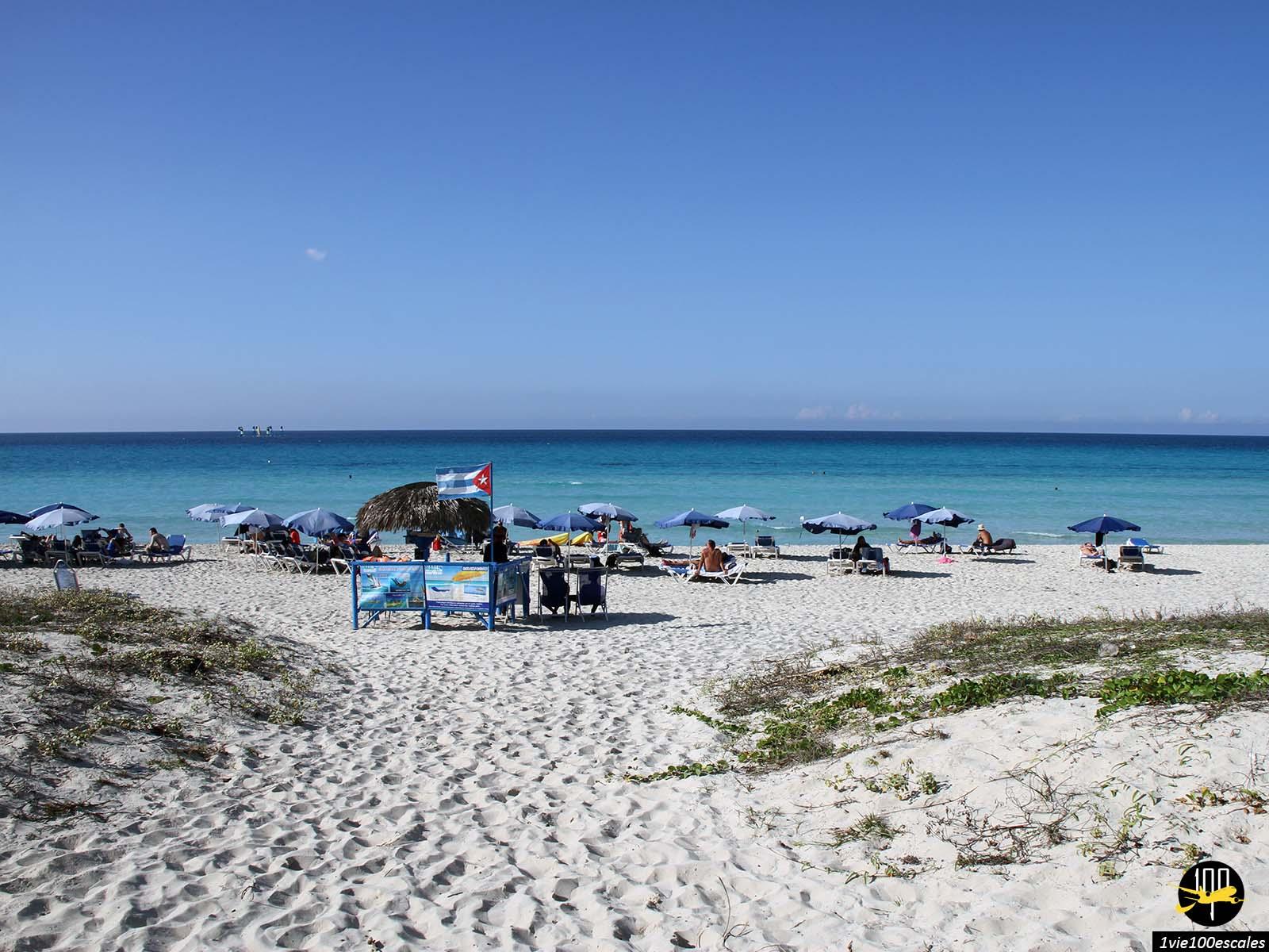 Un club de plage louant transat et parasol à Varadero à Cuba