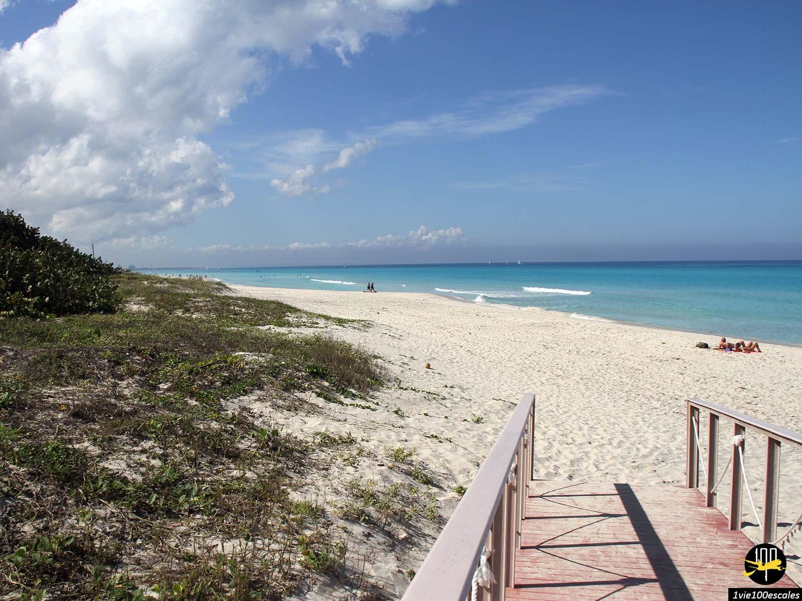 Ponton pour accéder aux magnifiques plages de Varadero
