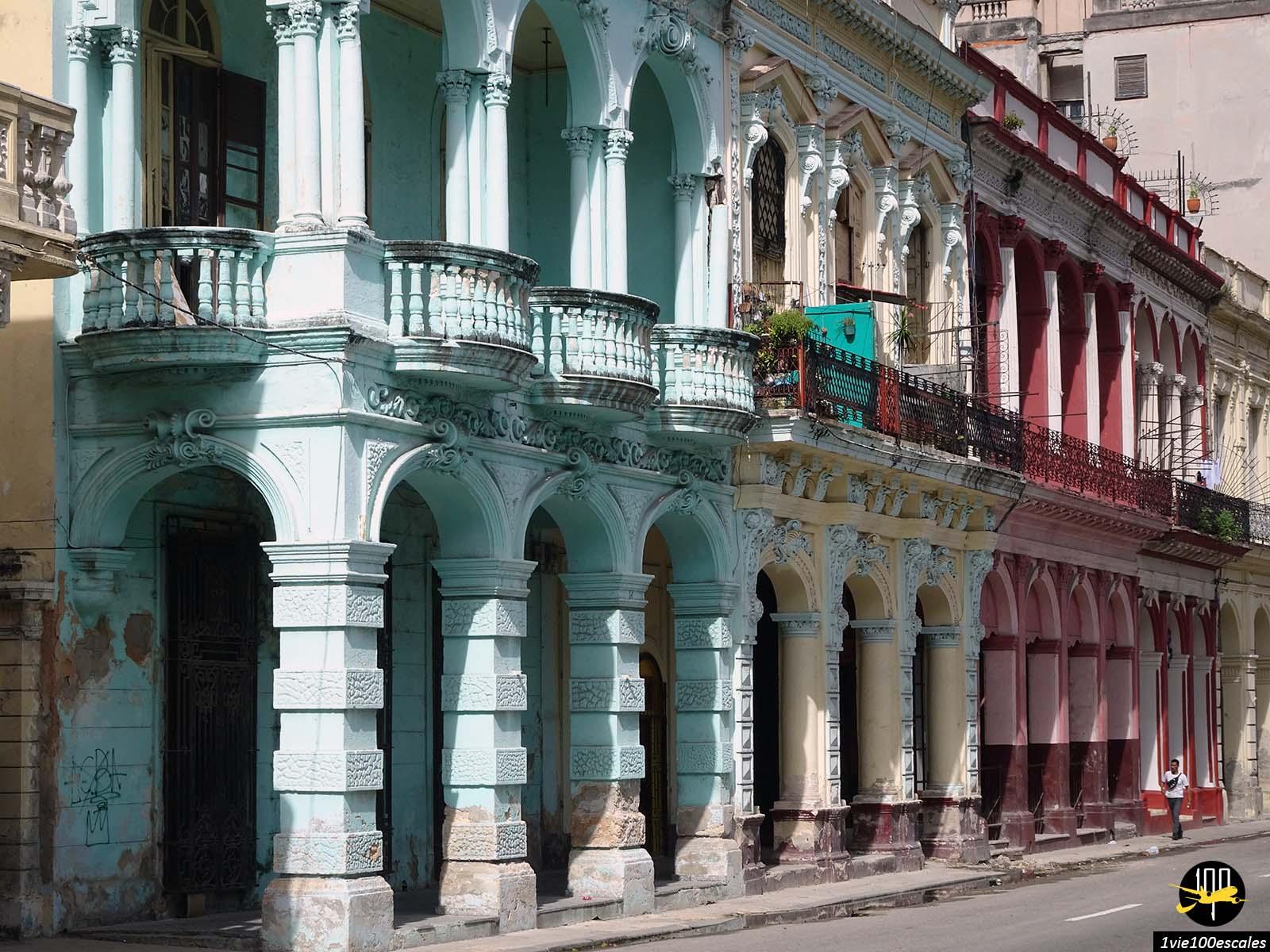 La Havane et ses célèbres arcades colorées