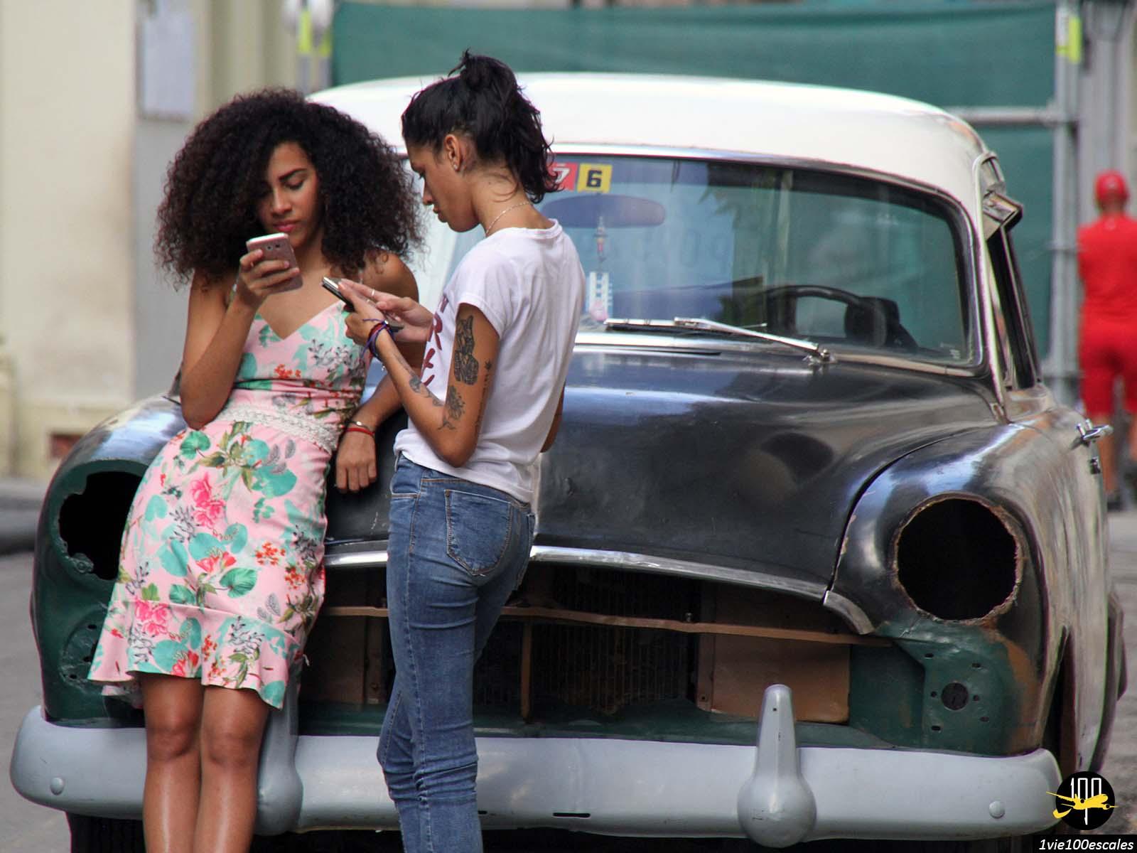 Les jolies filles de La Havane à Cuba