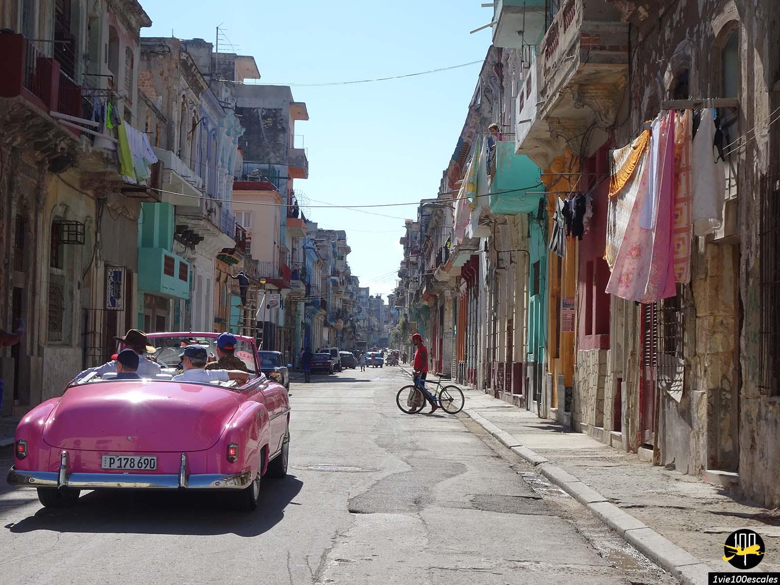 Visite de la ville de La Havane à bord d'une vieille voiture américaine